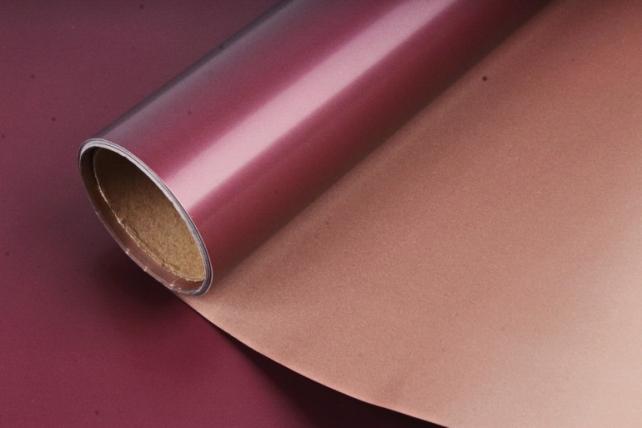 "Упак. материал матовая плёнка двухцветная ""Ля Розе"", 60см х 5м, бордовый/бежевый (М) 3188"