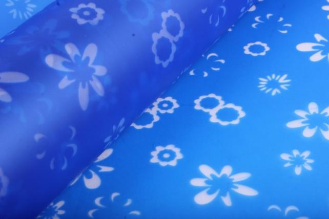 """упаковочный материал ламинированный фетр """"ромашки"""", 60 см х 5 м синий"""