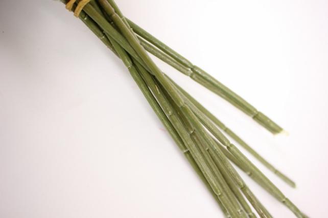 Ветка розы 35 см, оранжевая (12шт в уп) SUN452