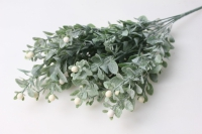 ветка с белыми ягодами - искусственные растения