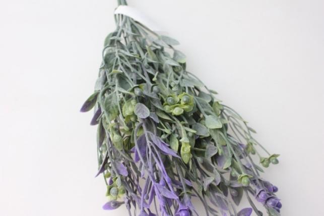 ветка с сиреневыми ягодами - искусственные растения