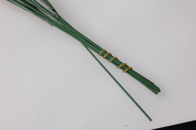 веточка искуственные зелено/терракотовые 40см 9859