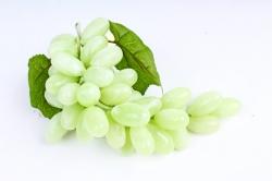 Виноград Гигант зеленый