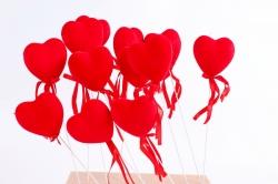 Вставка флок Сердце красное с блестками (12 шт в уп)  HT13A076 S/12