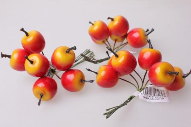 искусственные фрукты яблоки  2,5см (12 пучков по 6 шт) искусственные фрукты 7753