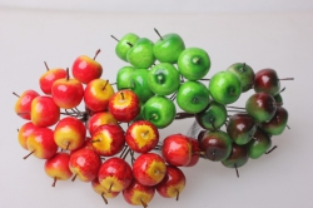 Яблоки красн./желт./зелен.  2см цвета в ассортименте (12 пучков по 12 шт) искусственные фрукты