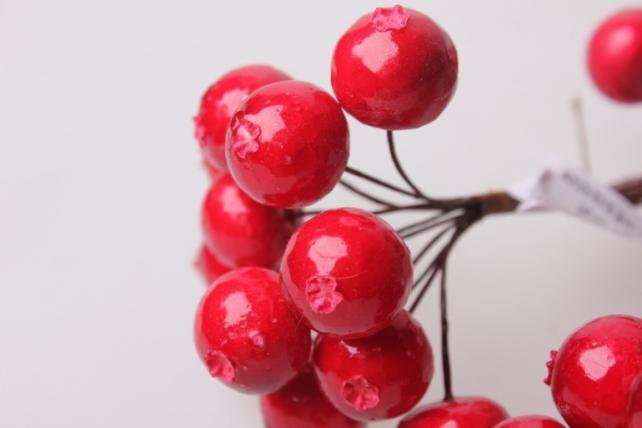 искусственные фрукты яблоки красные  2см (12 пучков по 12 шт) искусственные фрукты 7751