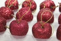 Яблоки КРАСНЫЕ 4,5см  (12шт в уп)
