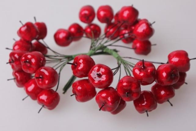 Яблоки красные искусственные (12пучков по 12шт)