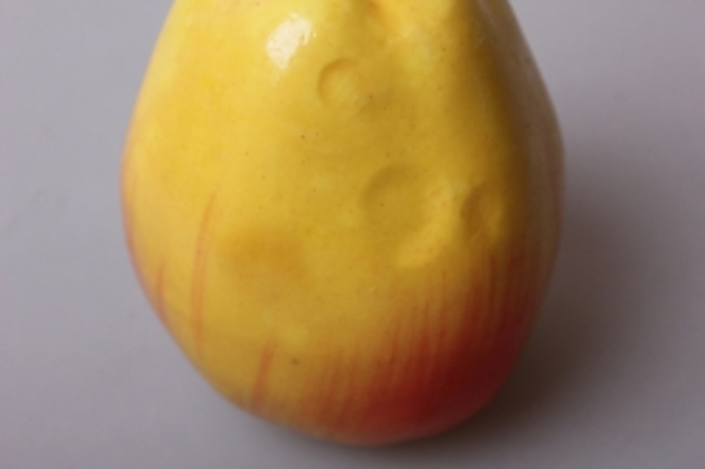 яблоко красно-желтое 9см