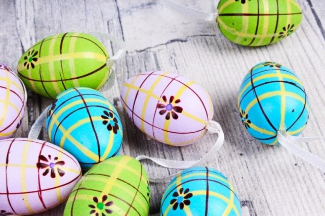 Яйца в тубе 4 см микс  (12 шт в уп) 998D-g