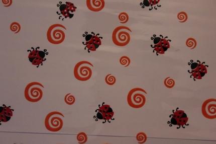 упаковка для цветов,- цветочная плёнка - божьи коровки 0.7 упаковка для цветов,- цветочная плёнка - рулон 0,7 божья коровка оранжево-красный 558