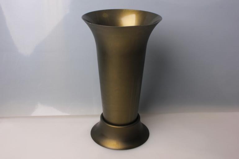 ваза бронзовая средняя 9219