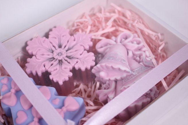 мыло (набор из 3х шт) ёлочка, дед мороз и колокольчик (розовый) ручная работа
