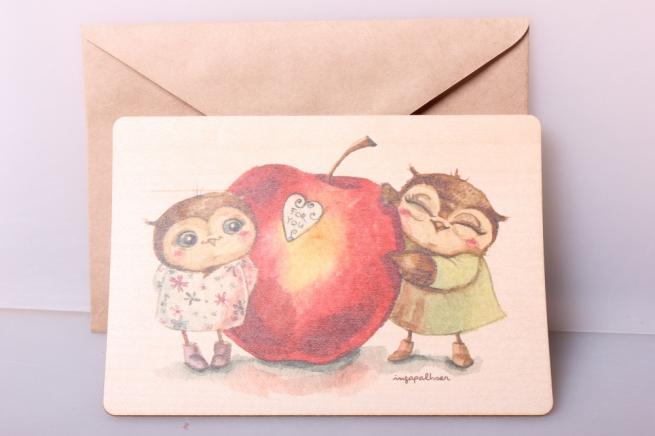 открытка+конверт 15х10,5 - яблоко и совушки (деревянный шпон)